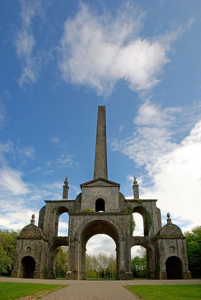 Conollys_Folly_-_the_obelisk